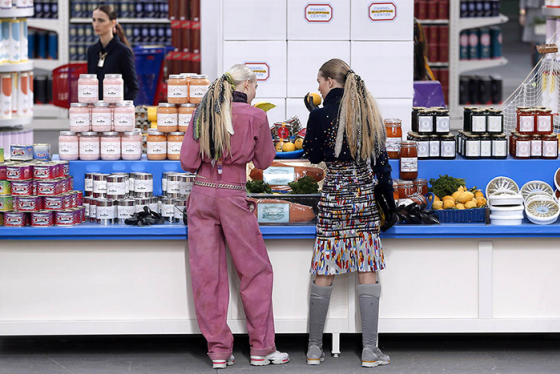 An attempt at healthy, behind the mirror, organic foods, healthy eating, chanel shopping center, chanel fall 2014