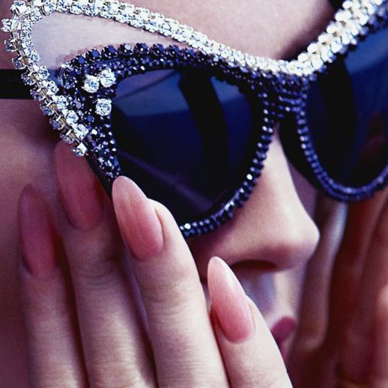 Behind the Mirror, Weekend Inspiration, Sunglasses with diamonds and long oval nails