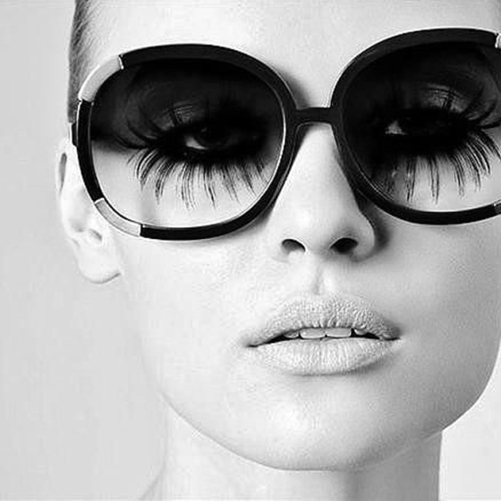 Behind the Mirror, Weekend Inspiration, Long lashes behind sunglasses in black and white